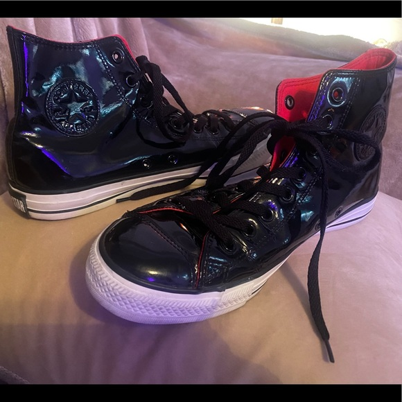 Converse all stars patent leather high tops